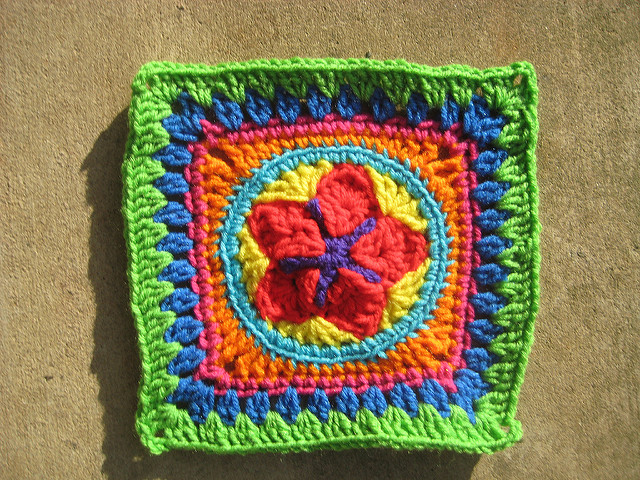 crochet granny square B-1 with a center crochet star