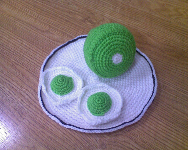 crochet green eggs and ham