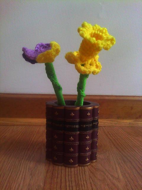 crochet flower pencils
