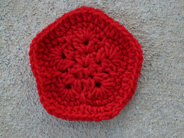crochet pentagon for a crochet soccer ball