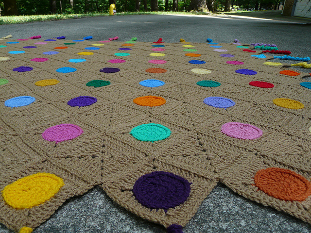 crochet circles and crochet squares