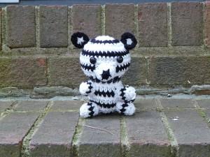Pete, the amigurumi white tiger - Crochetbug