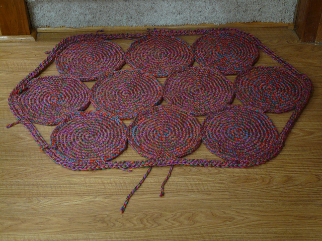 crochetbug, crochet circles, crochet rug, single crochet circles