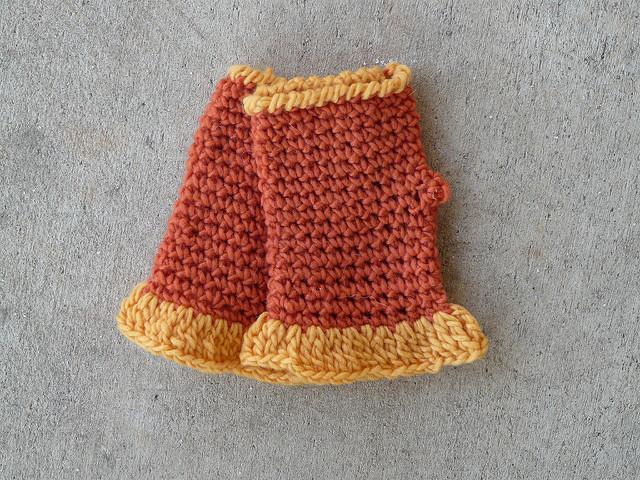 crochet fingerless gloves, crochetbug, crochet gloves, crochet present, orange, gold, yellow
