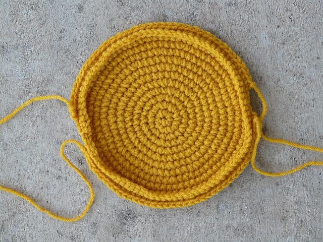 crochet taco wallet exterior