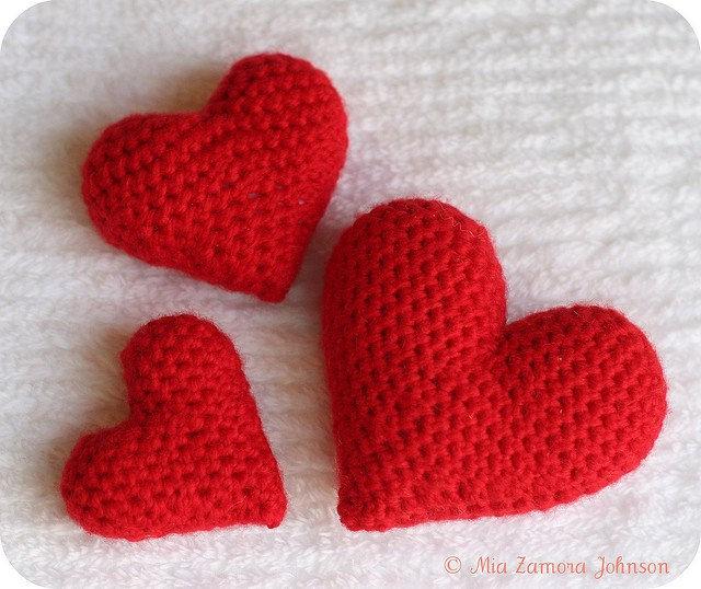 crochetbug, crochet hearts, valentines day crochet, valentine's day crochet, amigurumi heart
