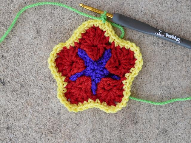 crochetbug, crochet star, crochet square, granny square, multicolor crochet