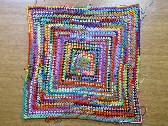 crochetbug, crochet square, granny square, scrap yarn crochet, yarn scrap granny square, use what you have