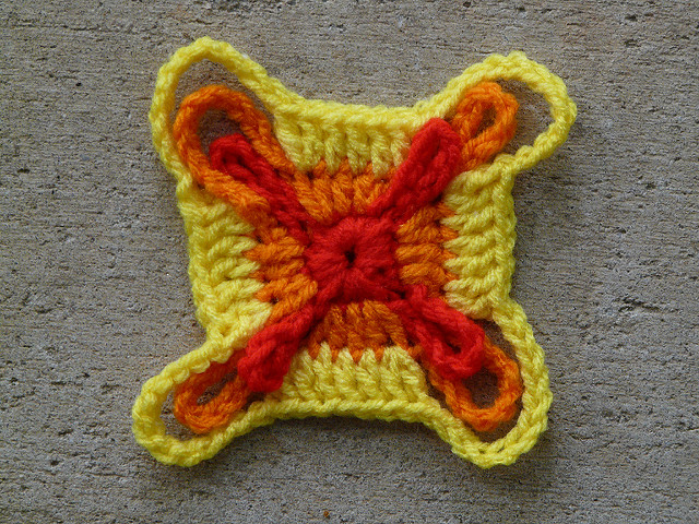 crochet square three rounds