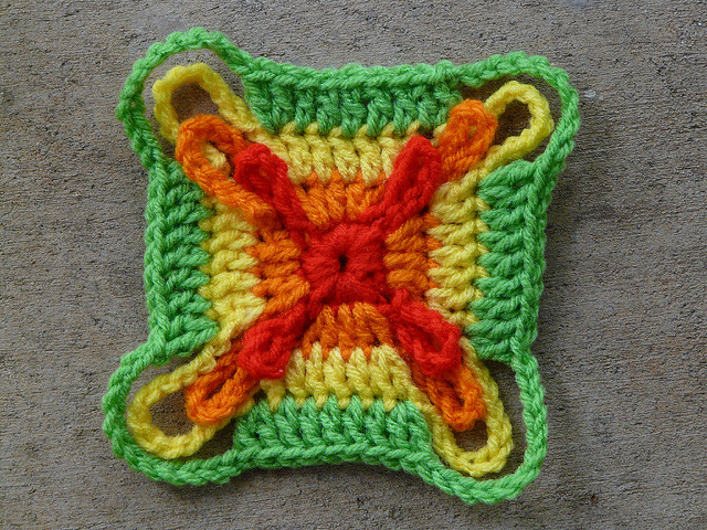 crochet square four rounds