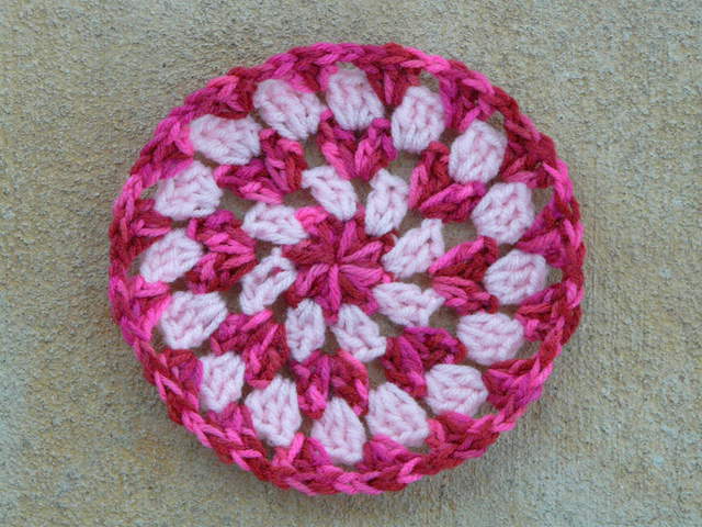 crochetbug, crochet circle, crochet wheel, crochet granny circle, use what you have