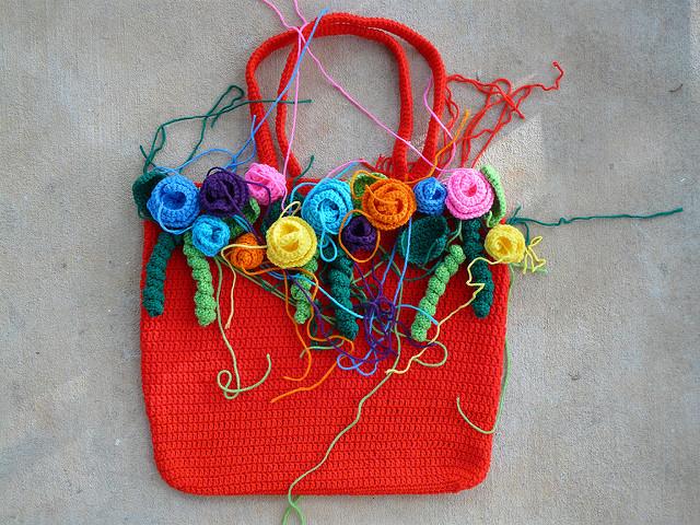 rose garden crochet tote