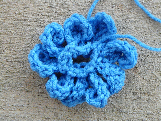 Crochet Zinnia Flower Pattern : In the crochet zone - Crochetbug