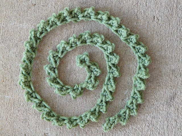 crochetbug, crochet picot, crochet edging, crochet trim, greystone's crafting hands