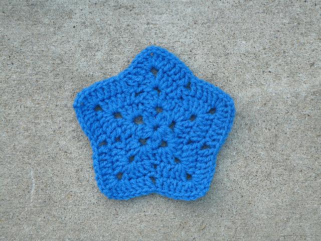 blue crochet granny star