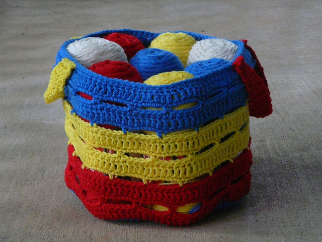 crochetbug, crochet basket, crochet bag, crochet stash basket, crochet stash bag, mondrian