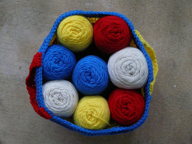 crochetbug, crochet basket, crochet bag, crochet stash basket, crochet stash bag, mondrian