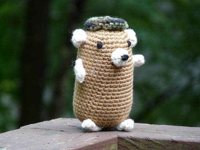 crochetbug, crochet hamster, amigurumi hamster, narumi ogawa