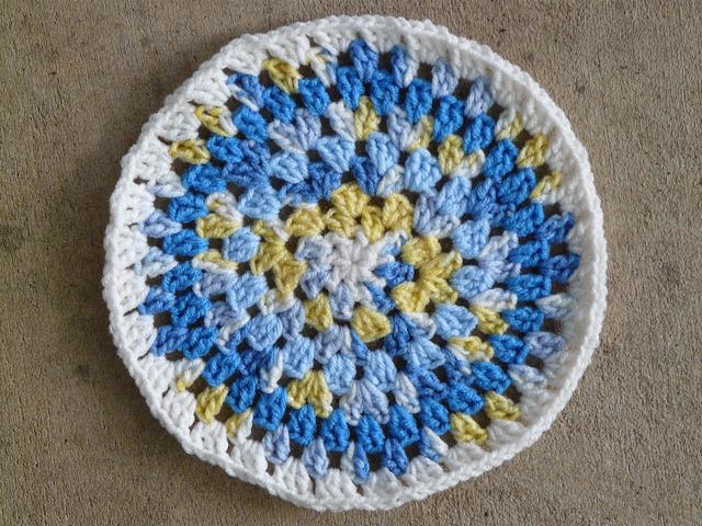 crochetbug, crochet circles, crochet pillow cover, crochet decor