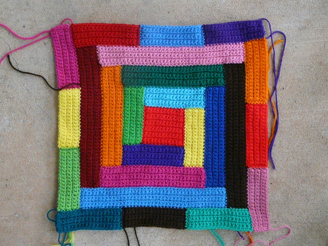 central bauhaus crochet block