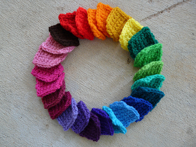 a rainbow circle of crochet squares