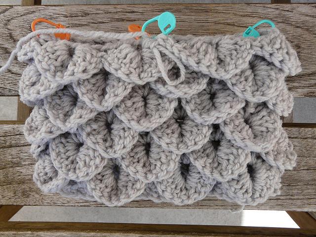 crocodile stitch crochet legwarmers, crochetbug, yarn stash, vintage yarn, yarn buster, sport weight yarn