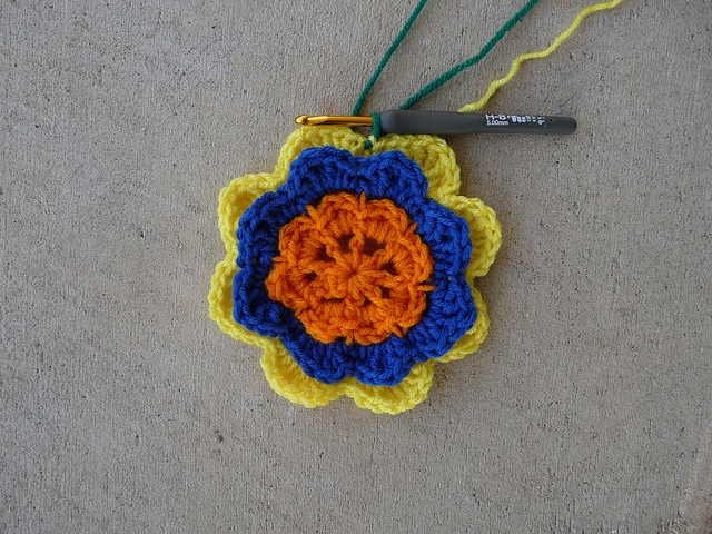 Six rounds of a crochet square