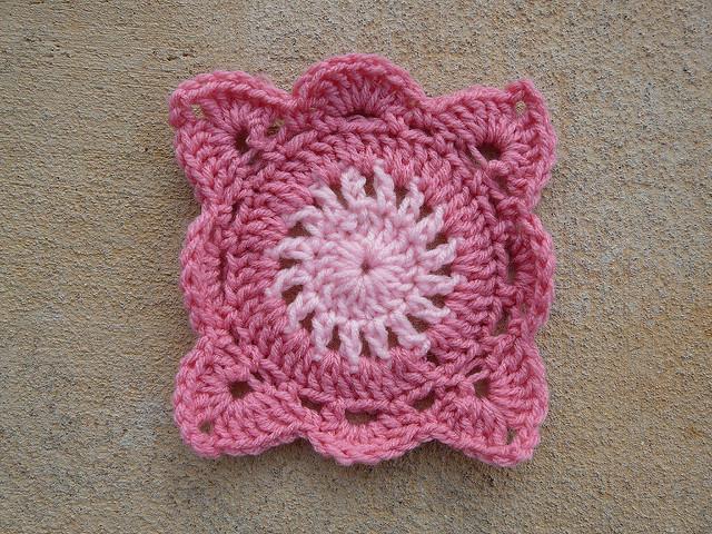 crochetbug, crochet squares, crochet square, granny square, crochet circles, jan eaton, pink