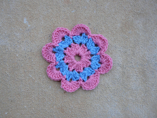 crochet flower center of a granny square