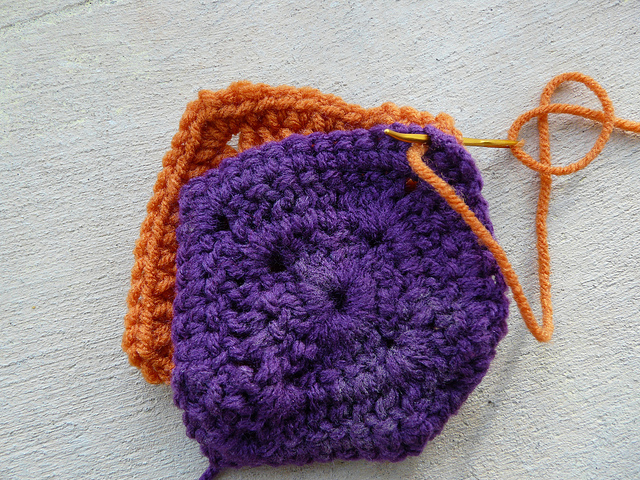 crochetbug, crochet squares, crochet joining, whipstitch joining, whip stitch joining, how to join crochet squares