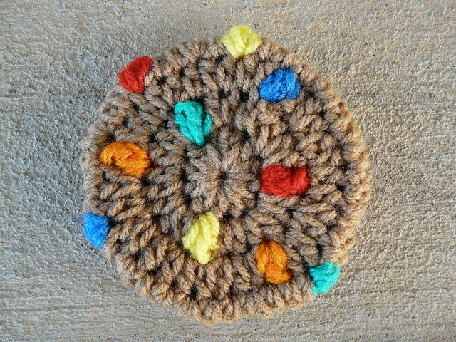 M & M crochet cookie