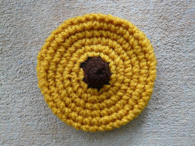 peanut blossom crochet cookie
