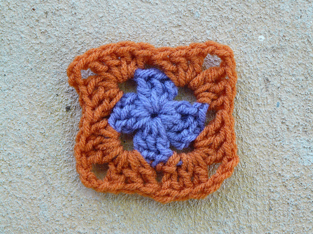 Two-round granny square