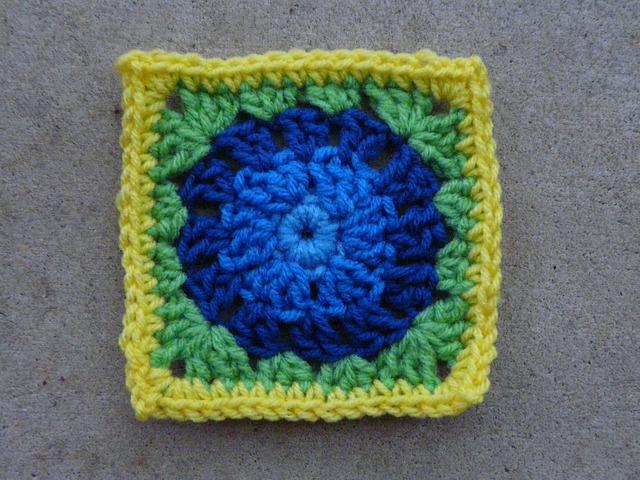 Crochet square E-4