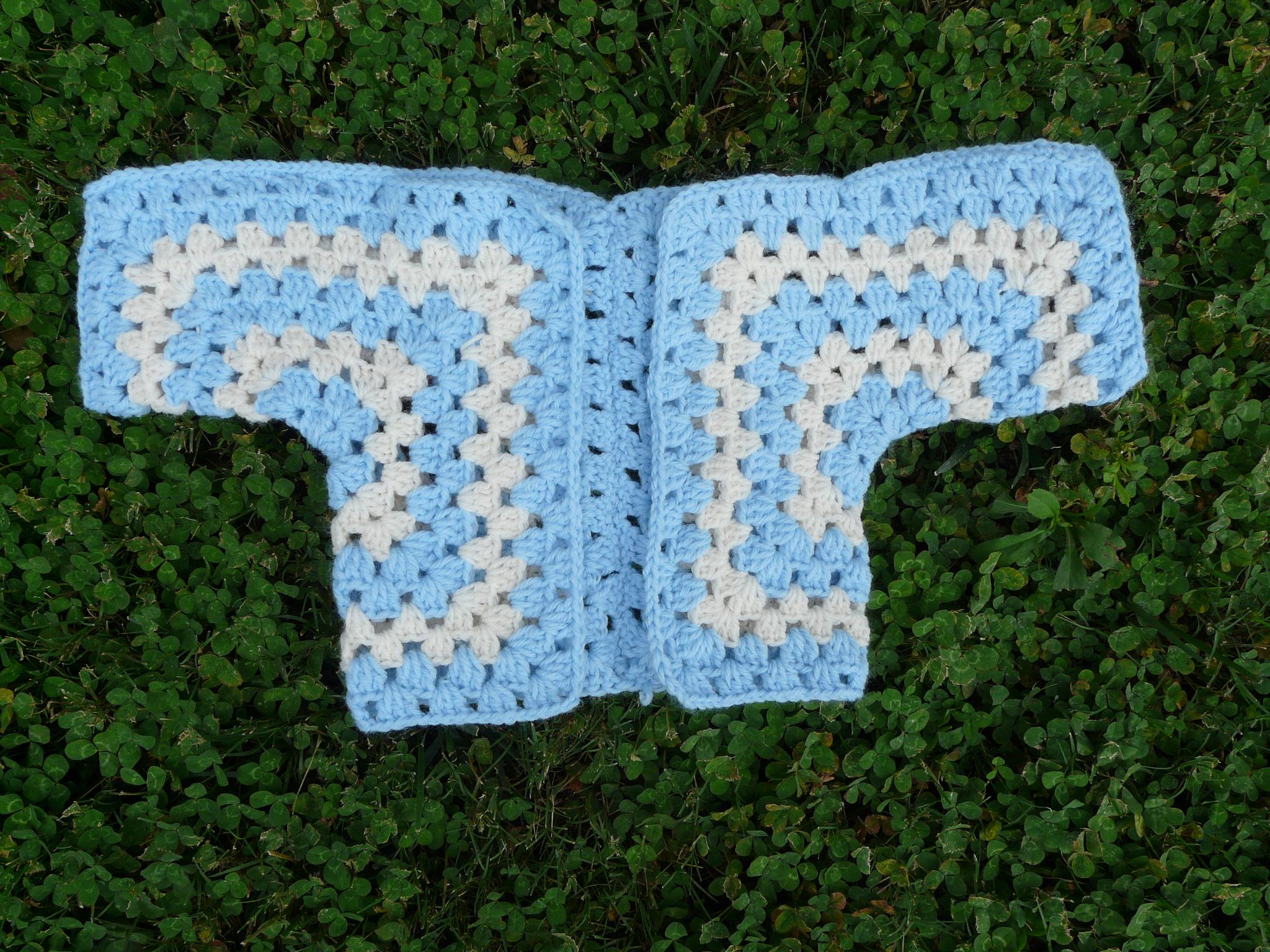 crochet baby sweater, crochetbug, crochet peeps, carolina blue