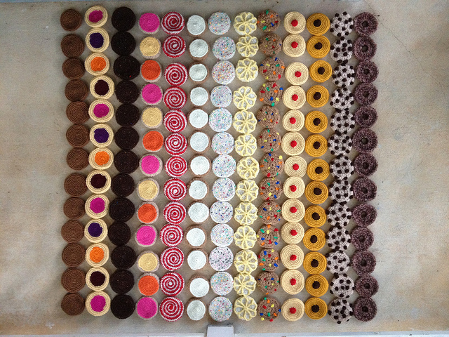 a crochet cookie bar graph of all the pieces for a crochet cookieghan