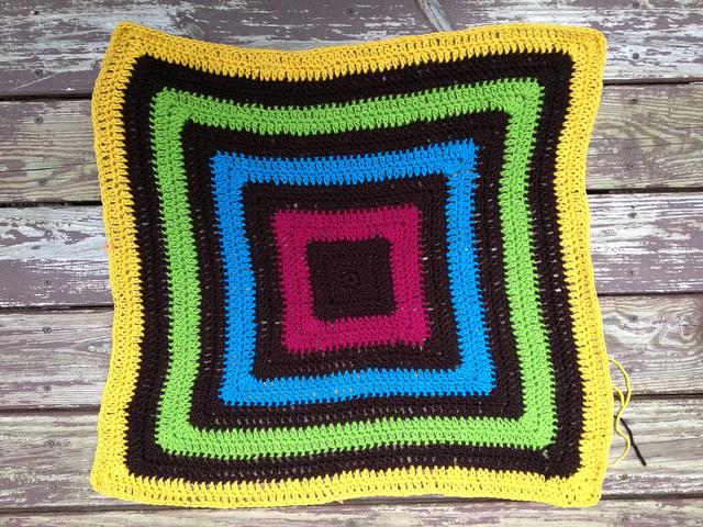 crochetbug, crochet squares, concentric squares, granny square, crochet granny squares, crochet purse, crochet tote, felted crochet