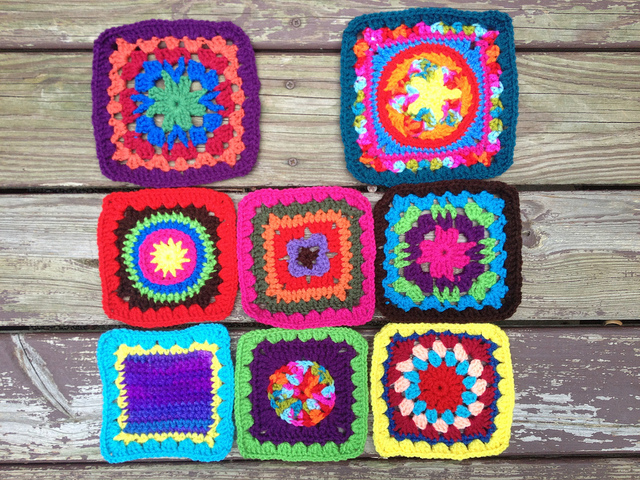 crochet squares for a granny square crochet purse