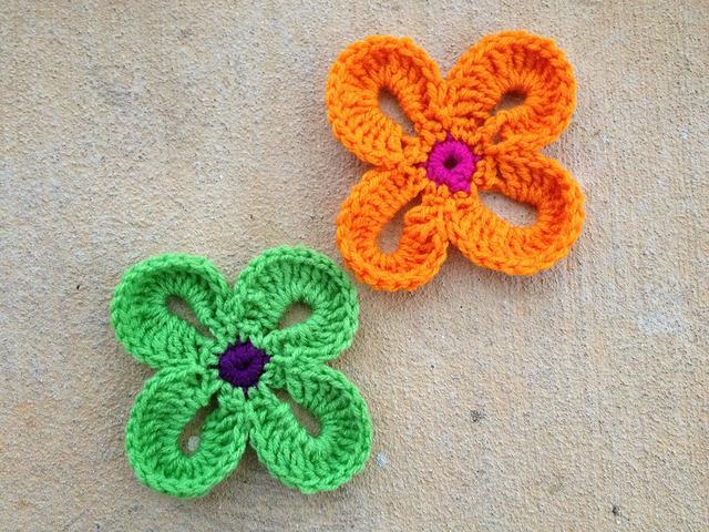 crochetbug, crochet flowers, sarah london, free crochet flower pattern, free pattern, free crochet pattern