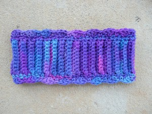 crochetbug, earwarmer, ear warmer, head band, headband, textured crochet, purple, purpura, ribbed crochet