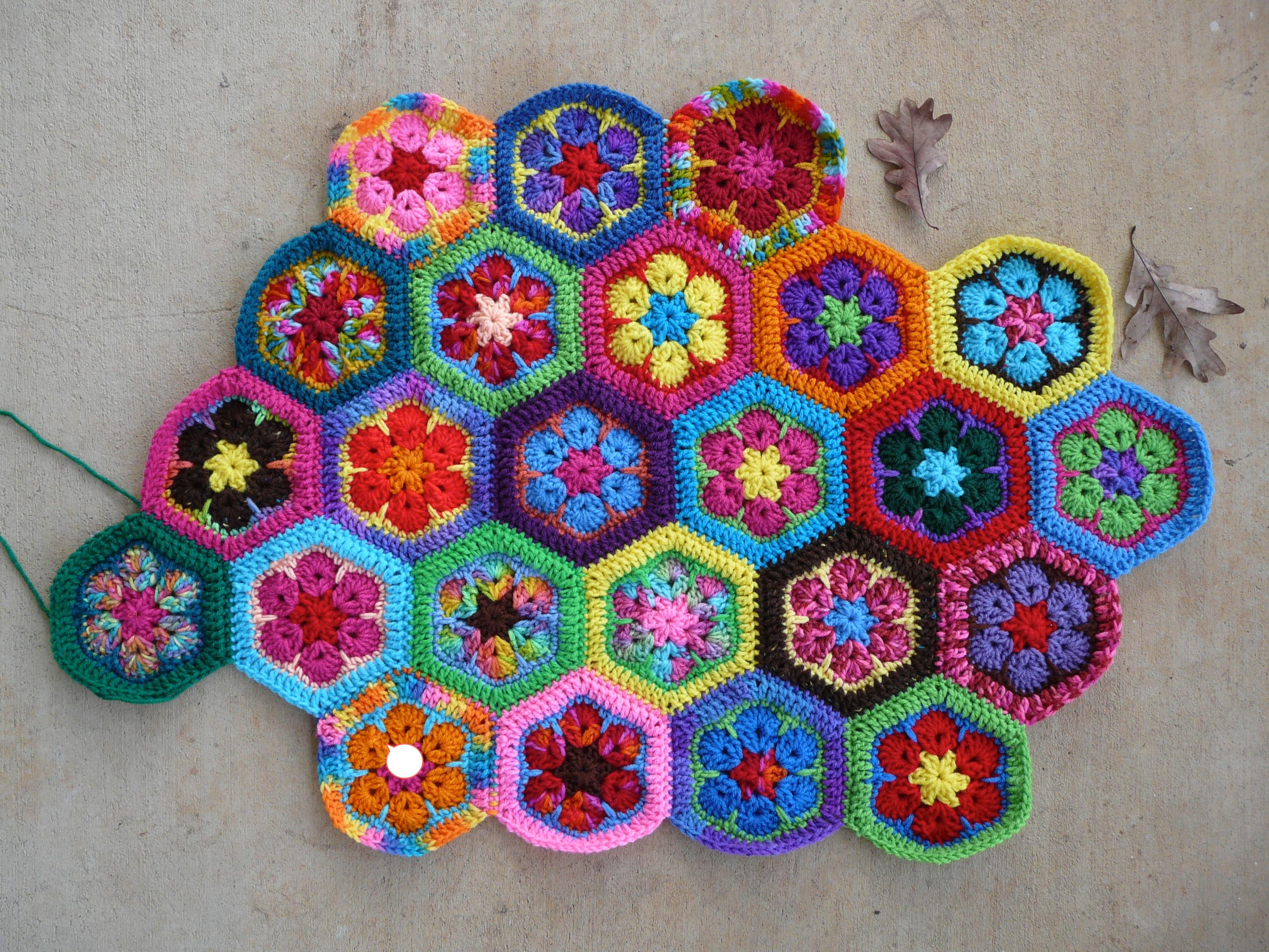 African Flower Crochet Pattern Half : If Victorians texted - Crochetbug