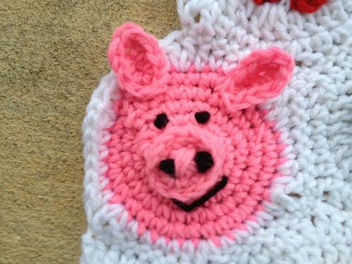 a cute pig crochet hexagon for the crochet blanket