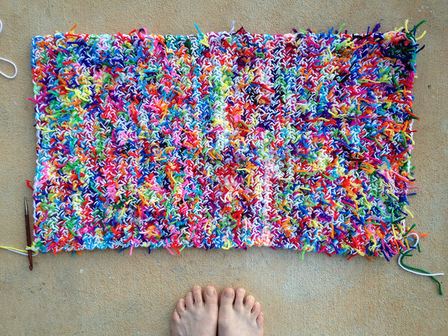 kitty litter crochet mat