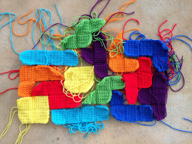 crochet tetriminoes for a crochet tetris blanket