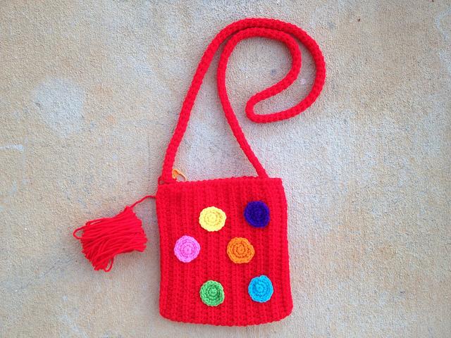 crochet pocket purse