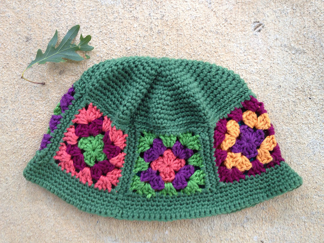 I finish a granny square chemo cap so now there are even more hats