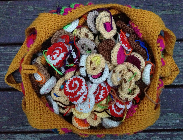 Eight days left to finish filling the crochet fat bag with crochet cookies