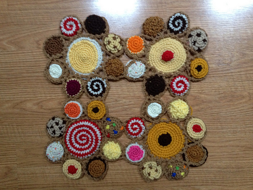 The first four crochet cookie motifs