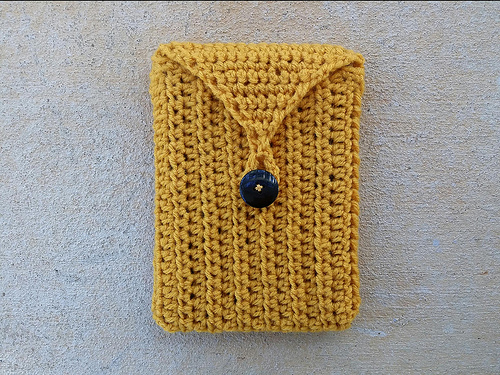 crochetbug, kindle cozy, crochet cozy, half double crochet, hdc