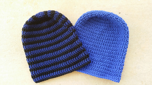 Two slouchy beanies for Christmas as the count down to Christmas continues